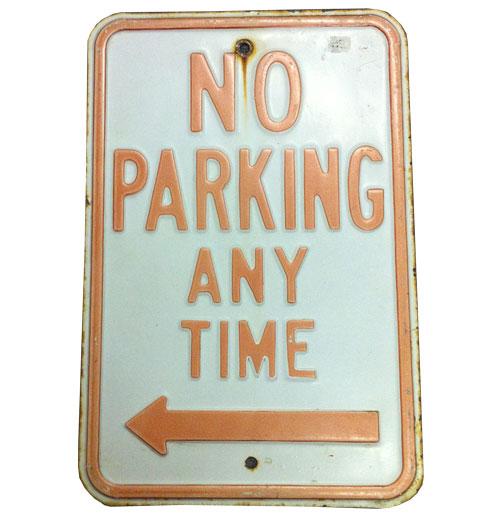 No Parking Any Time Bord Left Arrow